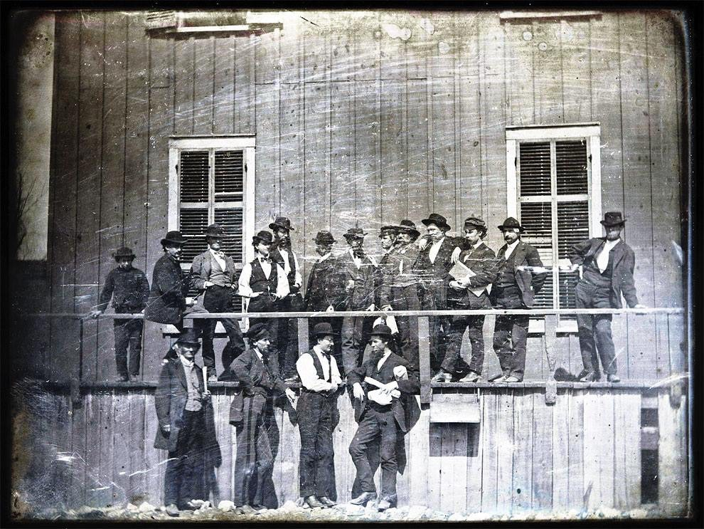 1852 a group of men pose for a photo in front of lynchs slave market in st louis missouri - 1852 – A group of men pose for a photo in front of Lynch's Slave Market in St. Louis Missouri.