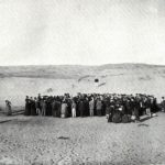 1909 about 100 people participte in a lottery to divide a 12 acre plot of sand dunes which would later become the city of tel aviv 150x150 - 22 moments étonnants de l'histoire en photos