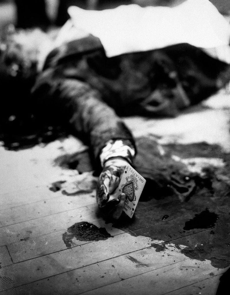 1931 mafia boss joe masseria lays dead on a brooklyn restaurant floor while holding the ace of spades 797x1024 - 1931 – Mafia boss Joe Masseria lays dead on a Brooklyn restaurant floor while holding the ace of spades.