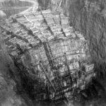 february 1934 columns of hoover dam being filled with concrete 150x150 - 22 moments étonnants de l'histoire en photos