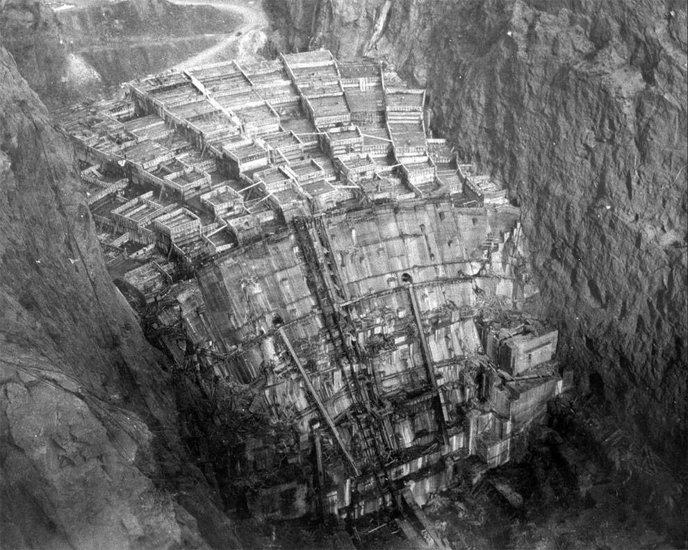 february 1934 columns of hoover dam being filled with concrete - February, 1934 – Columns of Hoover Dam being filled with concrete.